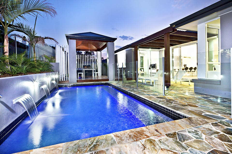 5 ways smart technology can improve your garden pool controls