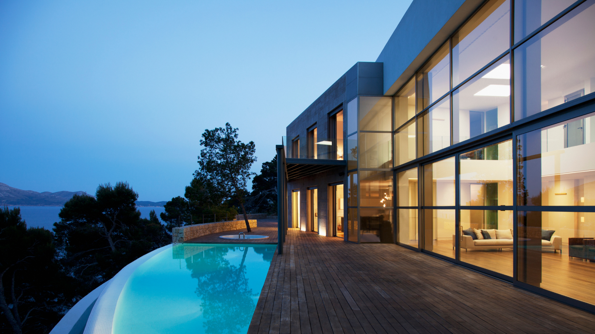 Effortlessly control the lighting within your home