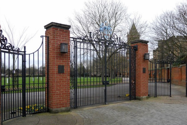 School gates and barriers-1